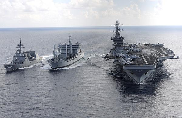 三大航母隨行 罕見聚西太平洋演習