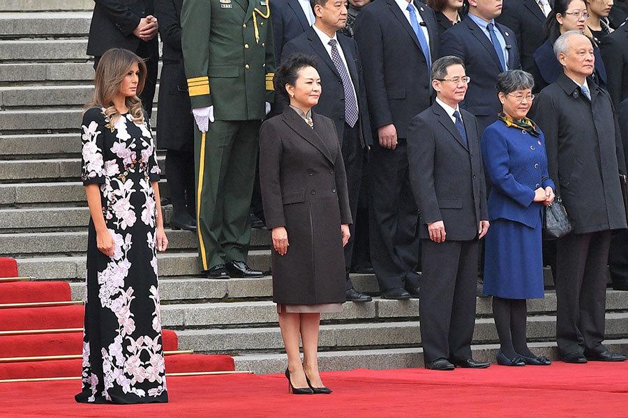 美國第一夫人身穿中國風長裙搶鏡