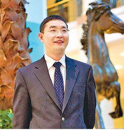 17年前石采東當時是北京中國科學院博士研究生,他是被總理朱鎔基帶進中南海反映情況的三位法輪功學員之一。(明慧網)