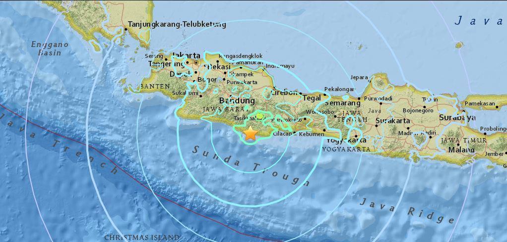 印尼6.5級強震 房屋倒塌有人死傷