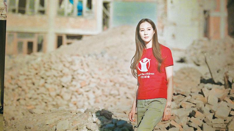 徐子淇探訪4.25尼泊爾地震一周年災區。(宋祥龍/大紀元)