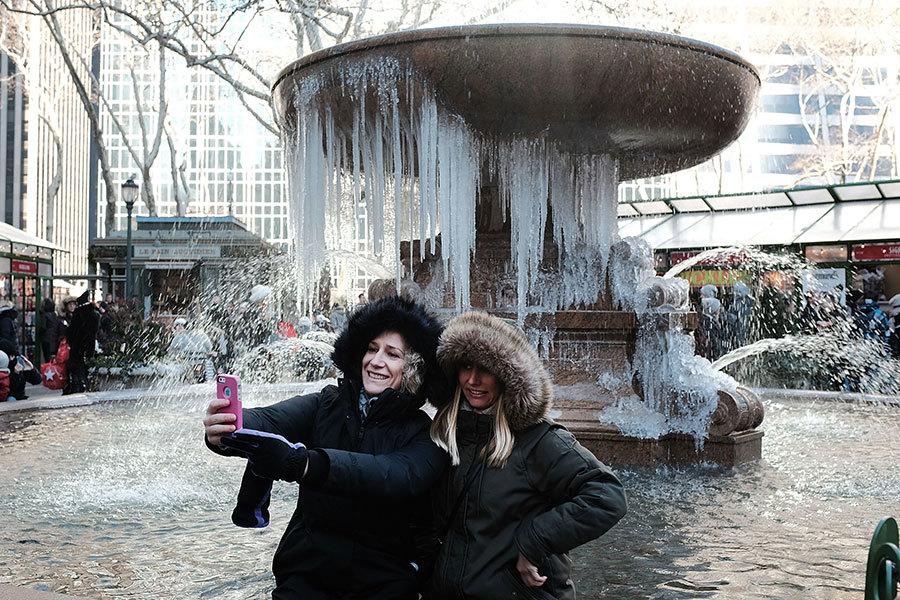 北美極寒 沸水潑出變雪花 大瀑布成冰瀑