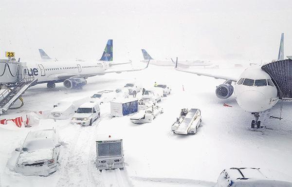 極寒致甘迺迪機場延誤又淹水