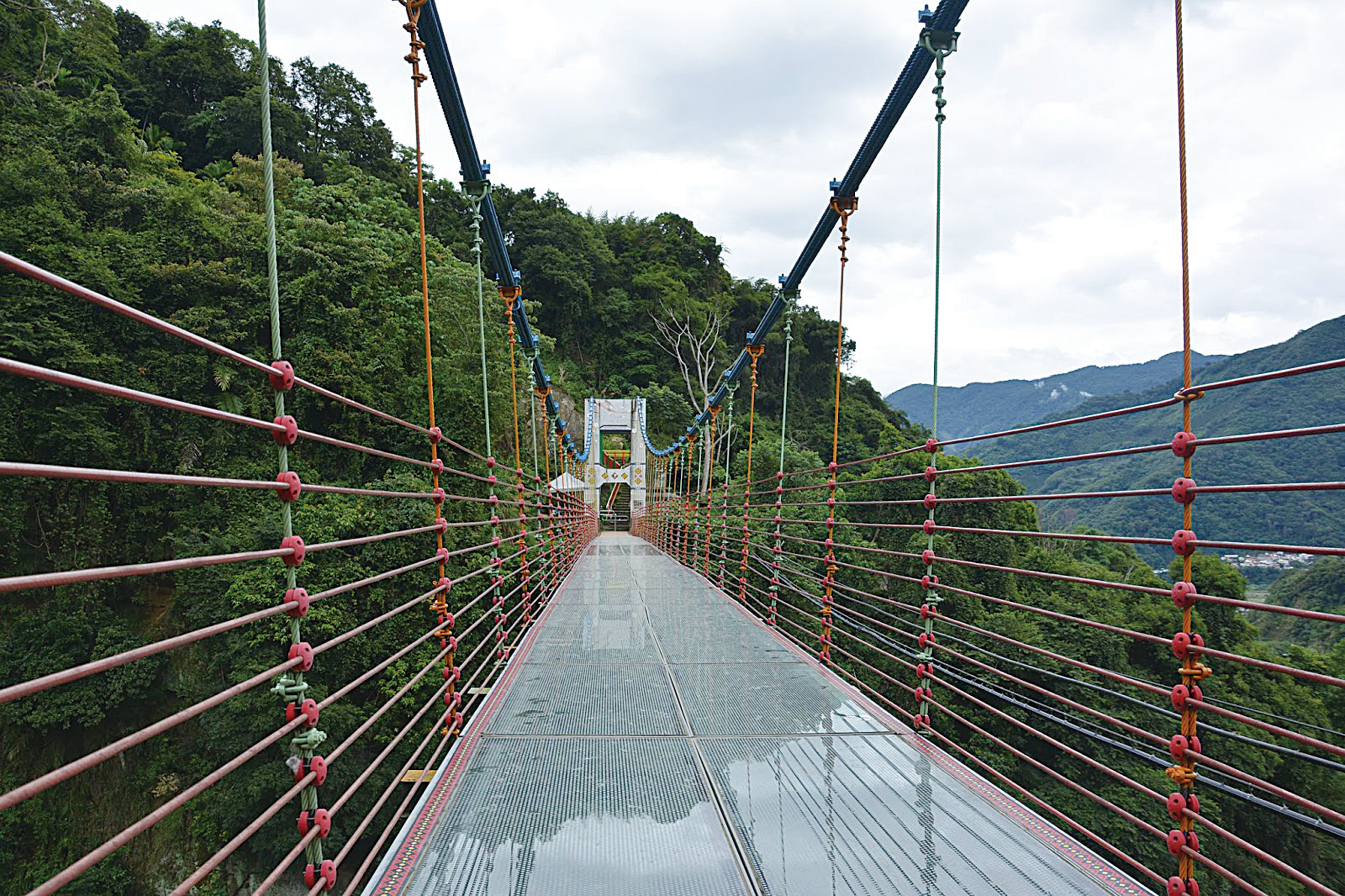 讓遊客如走在雲端  盤點台灣天空步道