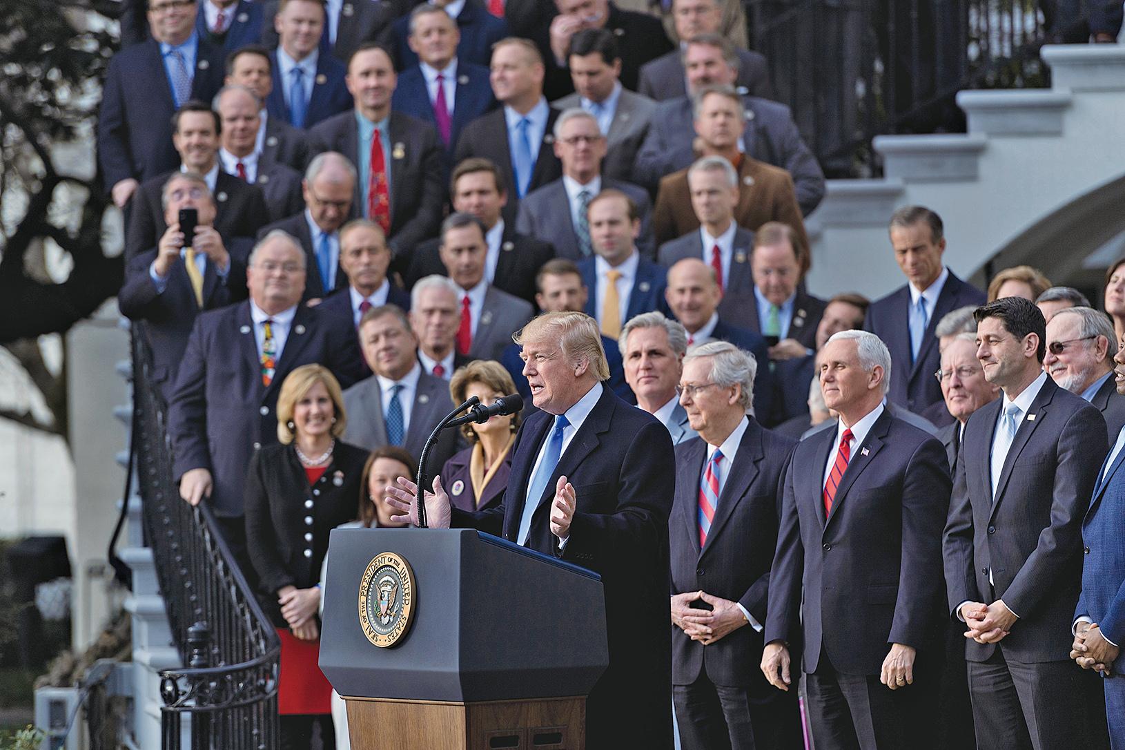 盤點特朗普上任周年成績 美國經濟現奇蹟展輝煌