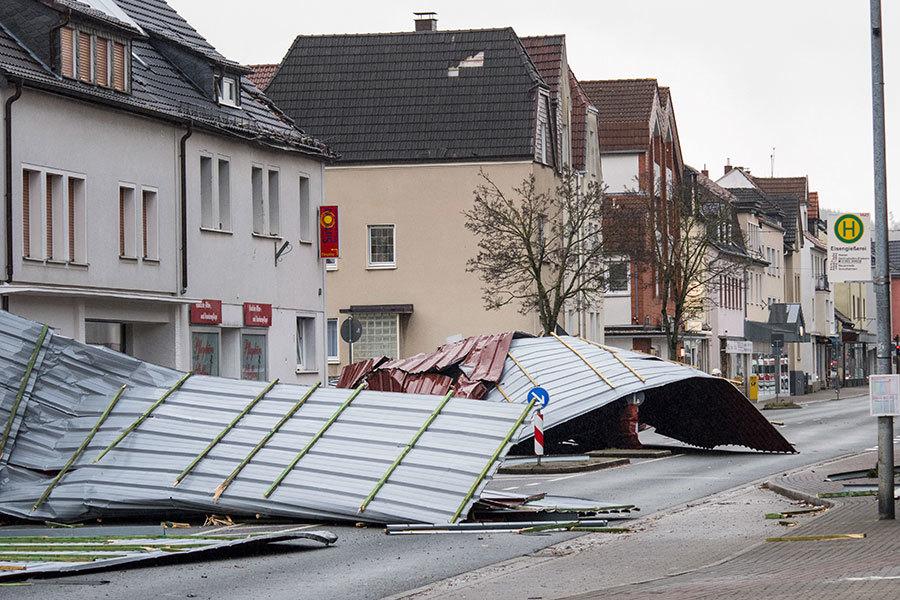 颶風級風暴襲擊歐洲釀10死 陸空交通大亂