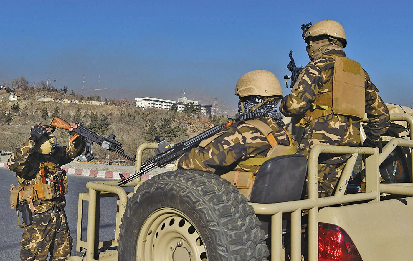 阿富汗豪華酒店遭襲數十死