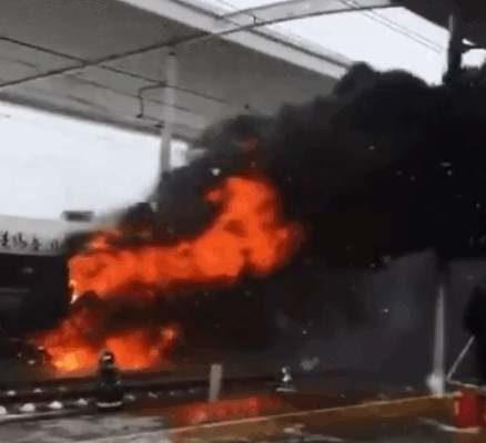 陸高鐵爆大事故 青島開往杭州G281次車廂起火
