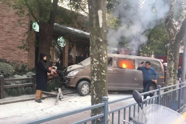 上海汽車撞人群事件地點敏感 當局急刪報道