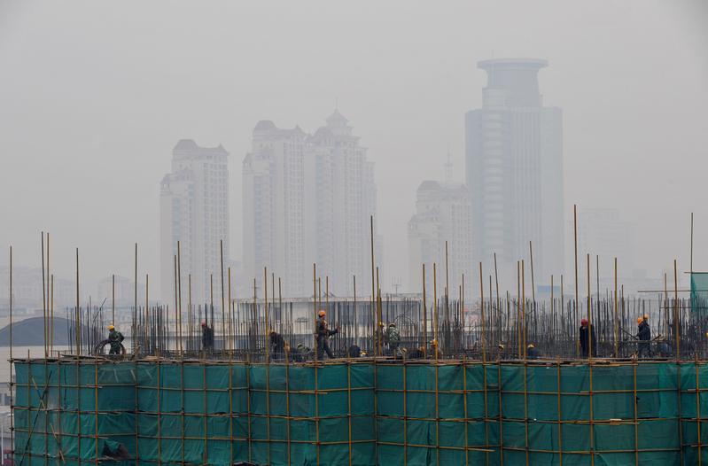 中國經濟增長放緩 製造業降至19個月低位