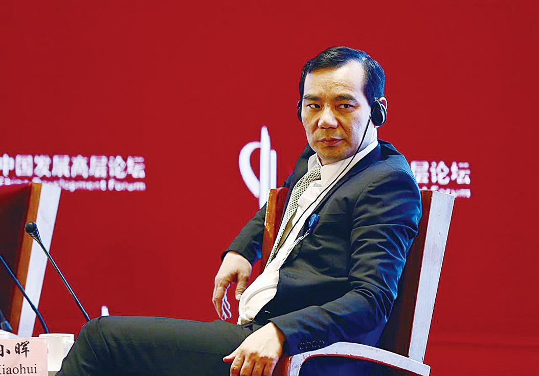 被控騙取652億 吳小暉否認指控稱不懂法律