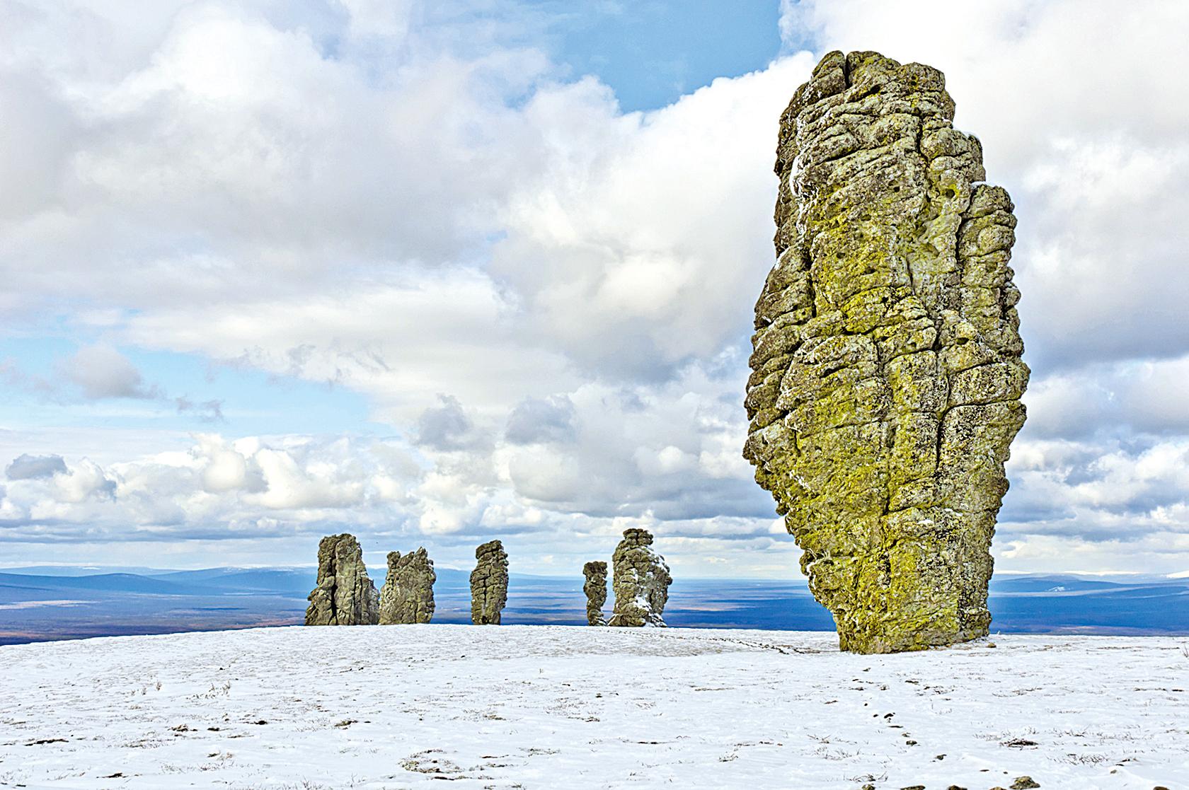 俄羅斯巨型石柱 如直立七巨人