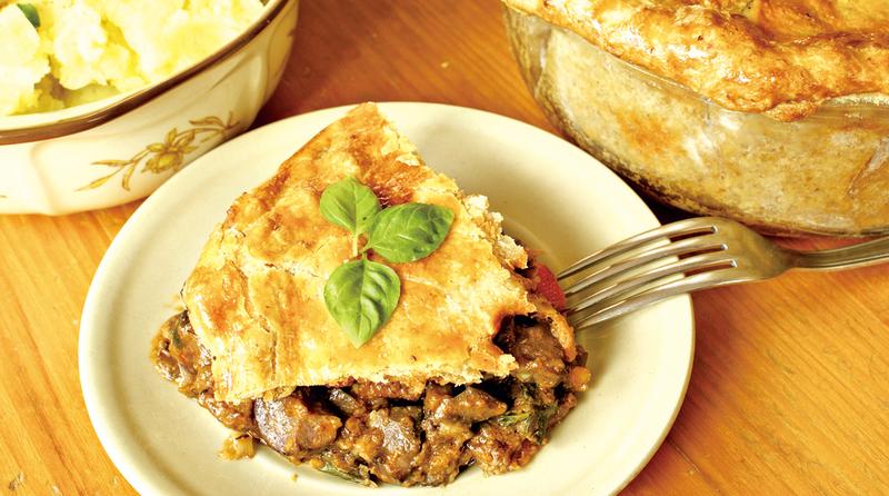 牛肉腰子派(Steak and kidney pie)是英國很常見的料理,在愛爾蘭也是一道家常菜。圖/Fotolia