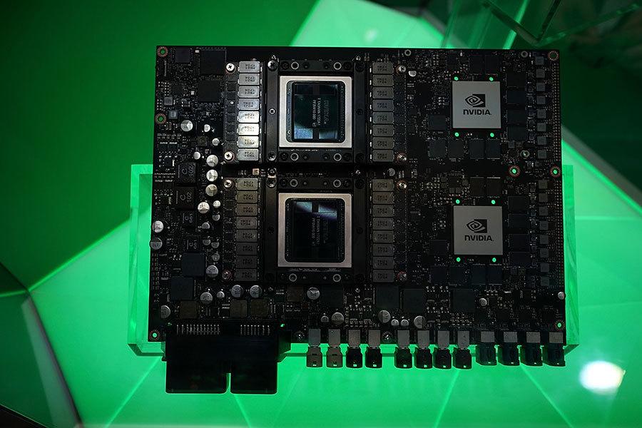 科技巨頭為何爭先研發人工智能晶片?