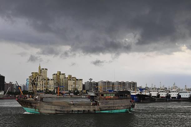 海南對外國遊客開放計劃挨轟 兩天後急喊停
