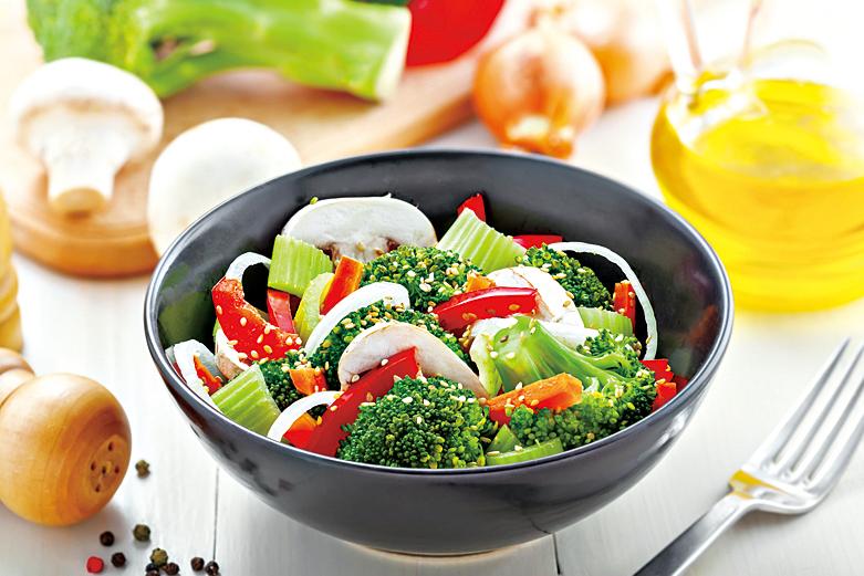 烹煮西蘭花時,適合淋上橄欖油或香料,可以去除苦味。