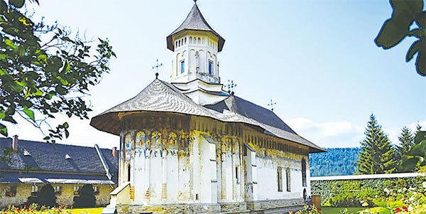 羅馬尼亞布科維納建於1532年的修道院。(視頻截圖)