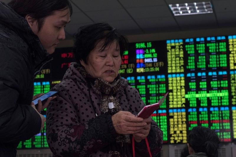 中美貿易戰升溫 滬指盤中創逾20個月低