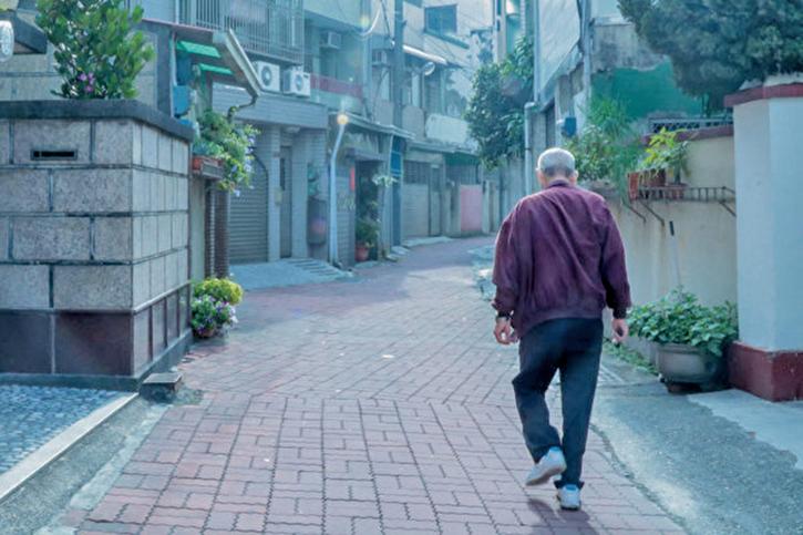 日本發明的行走輔助器 讓老人也「健步如飛」